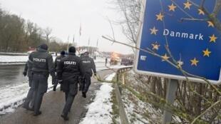 Apesar das críticas, o governo da Dinamarca tem tomado medidas para restringir a imigração.