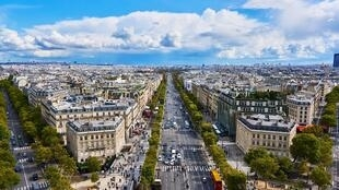 paris-2775405_1920