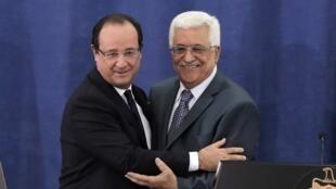 François Hollande y Mahmud Abas, este 18 de noviembre en Ramala.