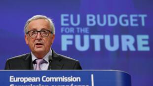 Президент Еврокомиссии Жан-Клод Юнкер назвал новый бюджет «амбициозным, но сбалансированным»