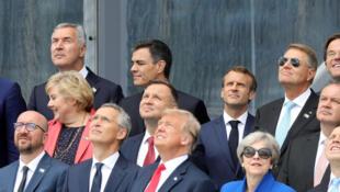 Despesas militares dominaram a cimeira da NATO, com Donald Trump, exigindo que todos os membros paguem mais para a defesa colectiva