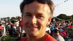 在新加坡感染新冠病毒並傳染10多人的Steve Walsh2020年2月11日宣布自己痊癒