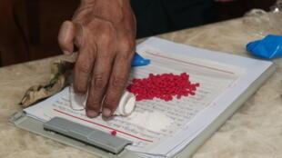 En Birmanie, un comprimé de méthamphétamine coûte quelques euros, mais la drogue se revend ensuite bien plus cher, une fois quittée cette région du «triangle d'or».