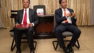 Wagombea wawili katika duru ya pili ya uchaguzi wa urais Madagascar, Andry Rajoelina (kulia) na Marc Ravalomanana (kushoto) tarehe 9 Desemba 2018.