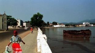 São Tomé, capital de São Tomé e Príncipe. 31 de Julho de 2001.
