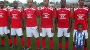 Kê Morabeza, campeão de futebol santomense da III divisão, numa foto do telanon.info, com a devida vénia