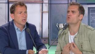 Daniel Riolo (d) e Jérôme Rothen durante debate no canal RMC Sport.