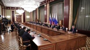 Владимир Путин и Михаил Мишустин на встрече с правительством РФ в новом составе, 21 января 2020.