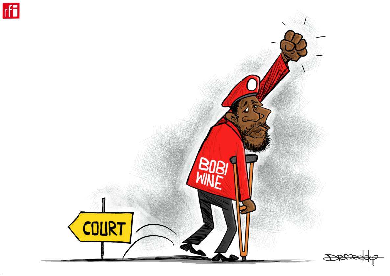 An saki mawakin Uganda da ya shiga siyasa Bobi Wine bayan shafe makwanni biyu a tsare (29/08/2018).