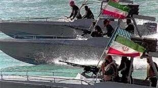 Tàu chiến cao tốc Iran.