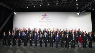 Nguyên thủ và lãnh đạo của 50 quốc gia có mặt tại ASEM 10, Milano, Ý.