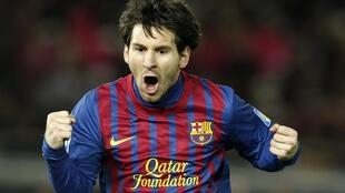 Lionel Messi comemora seu terceiro gol contra o Santos, no Mundial de Clubes.
