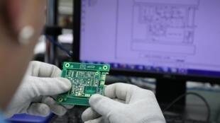 Washington cấm các công ty công nghệ cao Trung Quốc mua trang thiết bị công nghệ cao của Mỹ.