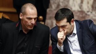 Премьер-министр Греции Алексис Ципрас и министр финансов Янис Варуфакис.