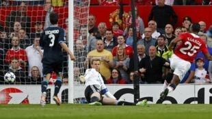 El ecuatoriano Antonio Valencia marcó en el partido de vuelta de semifinales contra el Schalke