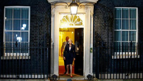 Theresa May anuncia acordo para validar Brexit; reunião com o Conselho Europeu está prevista para o dia 25