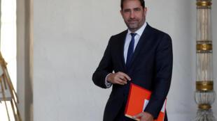O ministro do Interior, Christophe Castaner, é quem está por trás do projeto dos policiais nas escolas