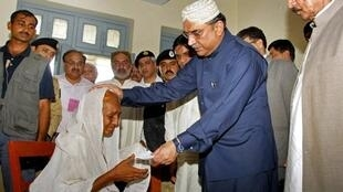 President Asif Ali Zardari visits flood-hit Sindh on Thursday