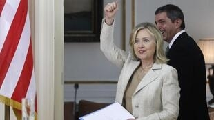 US Secretary of State Hillary Clinton gives US support for crisis-hit Greece