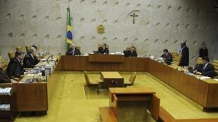 O depultado José Genoíno, o ex-ministro José Dirceu e o ex-tesoureiro do PT Delúbio Soares.