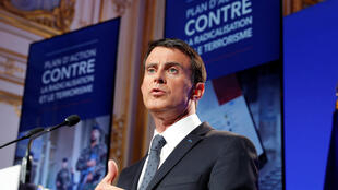 LFrench Prime Minister Valls speaks at a news conference following a government meeting on radicalisation and fight against terrorism in Paris