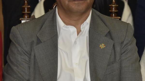 Evo Morales anuncia Luis Arce, seu ex-ministro da Economia, candidato à presidência