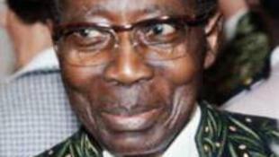 Léopold Sédar Senghor, premier président de la République du Sénégal, poète, grammairien et premier Africain admis à l'Académie française.