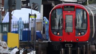 Metrô de Londres foi alvo de ataque terrorista na última sexta-feira (15).