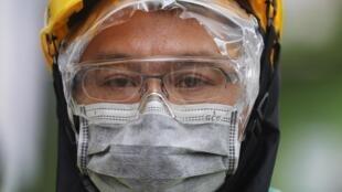 Taïwan produit aujourd'hui 13 millions de masques chaque jour, ce qui en fait le deuxième producteur mondial derrière la Chine.