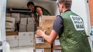 """A organização não governamental chamada de  """"Pare de desperdiçar comida"""", (Stop Spild Af Mad) acompanham projetos que doam mais de 27 toneladas de excedentes de alimentos aos sem abrigo.."""
