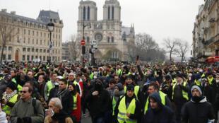 Les «Gilets jaunes» manifestent à Paris, le samedi 5 janvier 2019, lors de «l'acte VIII» de leur mobilisation.