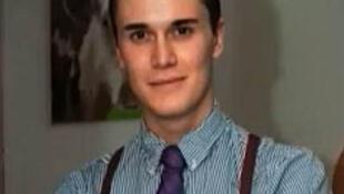 O estagiário Moritz Erhardt, que morreu após trabalhar 72 horas seguidas em Londres.