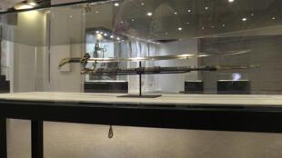 Le sabre d'El Hadj Omar Tall, tel qu'il sera exposé au musée des Civilisations noires, un trésor de guerre ramené en France en 1894 par le colonel Louis Archinard lors d'une campagne menée contre le fils du combattant.