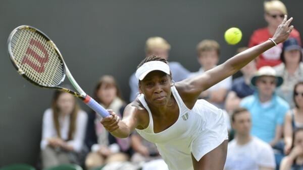 A tenista americana Venus Williams em partida do Torneio de Wimbledon contra a russa Elena Vesnina , nesta segunda-feira.