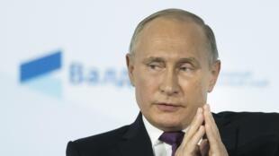 ប្រធានាធិបតីរុស្ស៊ី  Vladimir Poutine ចូលរូមថ្ងៃទី១៩តុលាក្នុងសន្និសីទមួយ រៀបចំ  Sotchi.
