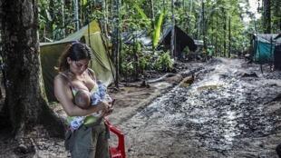 Olga, nombre de guerra de Angelina, entró en la guerrilla cuando tenía 11 años. Fue una de las primeras guerrilleras en quedar embarazada tras los acuerdos de paz firmados en La Habana.