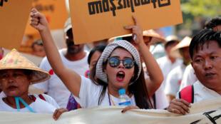 Biểu tình phản đối luật mới về biểu tình tại Rangun ngày 05/03/2018.