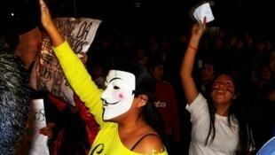 Manifestantes protestaram diante do consulado da Bolívia em São Paulo.