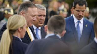 Le secrétaire d'État américain Mike Pompeo (g), le président colombien Ivan Duque (c) et le chef de l'opposition vénézuélienne Juan Guaido (d) à Bogota le 20 janvier 2020.