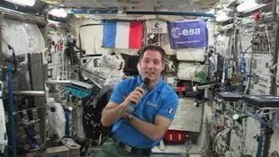 Thomas Pesquet dia 30 de maio de 2017 durante uma entrevista no espaço, às vésperas de seu retorno para a Terra.