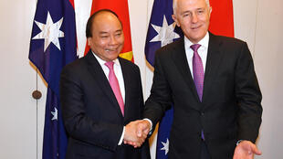 Thủ tướng Nguyễn Xuân Phúc và thủ tướng Úc Malcolm Turnbull tại Canberra ngày 15/03/2018.