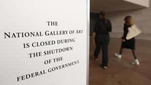 Aviso sobre el cierre de la Galería Nacional de Arte, este 1° de octubre de 2013.