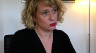 A advogada Maude Beckers, especialista em discriminação no trabalho, critica a compra do silêncio nos casos de assédio sexual.