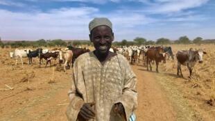 Wani makiyayi a wajen jihar Tillaberi dake kudu maso yammacin Jamhuriyar Nijar.