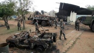 Le camp militaire français de Bouaké en Côte d'Ivoire après le bombardement du 4 novembre 2004.