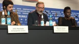 "Marcelo Gomes lê protesto contra Temer durante entrevista coletiva do filme ""Joaquim"" na Berlinale"