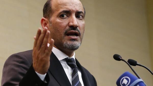 Le président de la coalition nationale syrienne à Genève, le 23 janvier 2014.