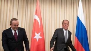 2020年1月13日,土耳其外長和俄羅斯外長在莫斯科就利比亞衝突停火談判舉行記者會。