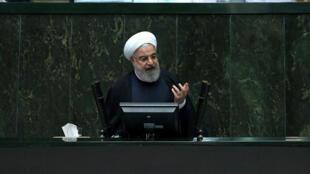 حسن روحانی، رییسجمهوری اسلامی ایران، لایحه بودجه را به مجلس ارائه کرد.