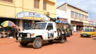 Le fils de l'ancien président centrafricain a été arrêté par la Minusca, vendredi 5 août. Ici, des soldats rwandais de la Minusca patrouillent à Bangui. (Photo d'illustration)